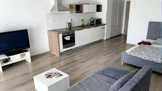 novy-a-moderny-apartman-roma