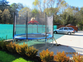img_out_o_trampolina.jpg